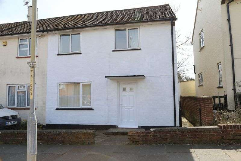 3 Bedrooms Property for sale in Wife of Bath Hill, Canterbury