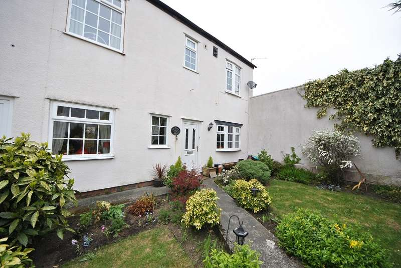2 Bedrooms Semi Detached House for sale in Sussex Road, Southport. PR9 0SP