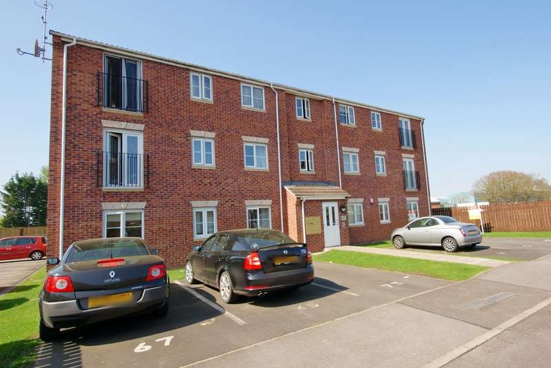 2 Bedrooms Apartment Flat for sale in Heather Gardens, Richmond Lakes, North Hykeham LN6