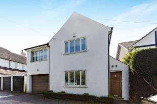 3 Bedrooms Detached House for sale in Barrowsfield, Sanderstead, South Croydon, Surrey