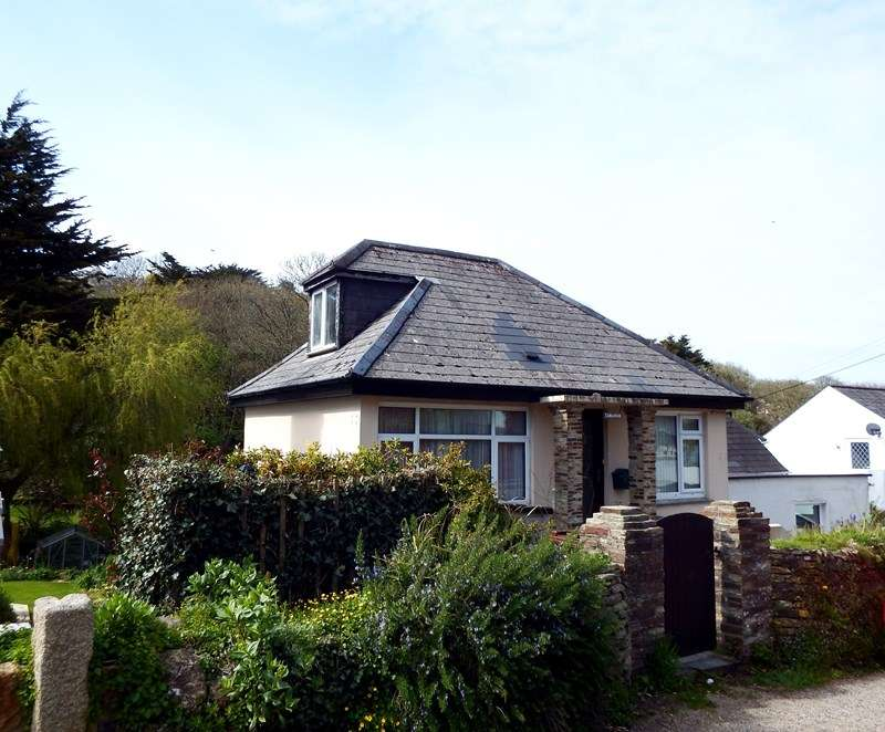 3 Bedrooms Detached House for sale in Perrancoombe, Perranporth