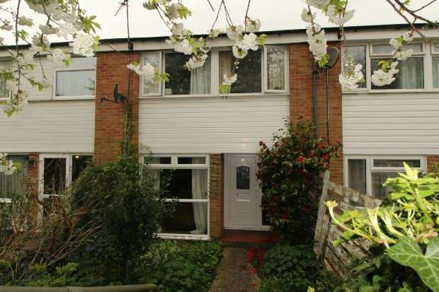 3 Bedrooms Terraced House for sale in Hillbrow, Reading