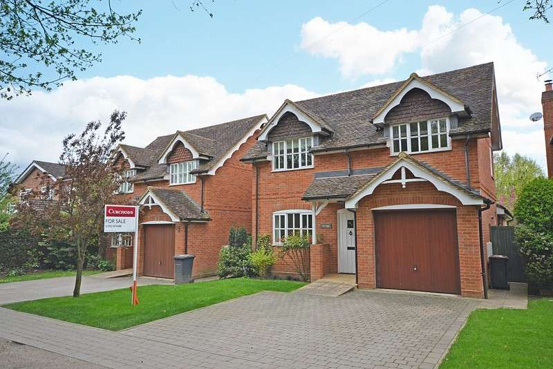 4 Bedrooms Detached House for sale in Ottershaw