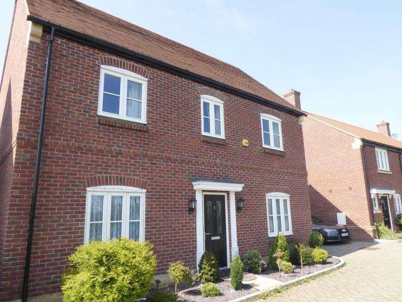 4 Bedrooms Detached House for rent in Shepton Mallet