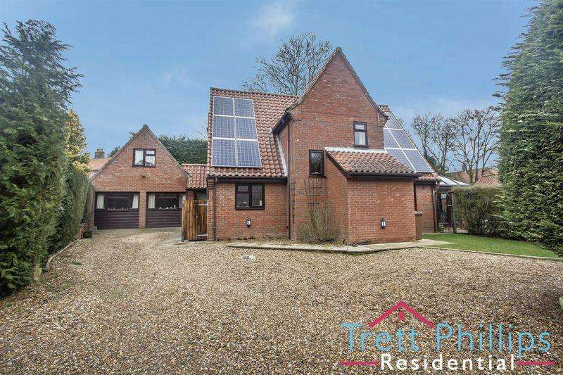 4 Bedrooms Detached House for sale in Honing, North Walsham