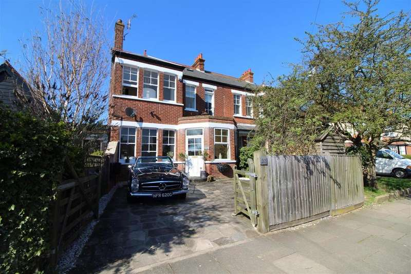 6 Bedrooms Terraced House for sale in Hadleigh Road, Frinton-On-Sea