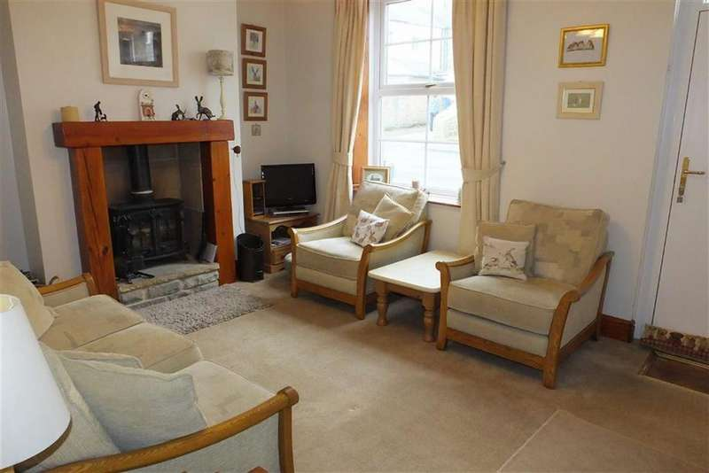 3 Bedrooms Terraced House for sale in Clifford Street, Barnoldswick, Lancashire, BB18
