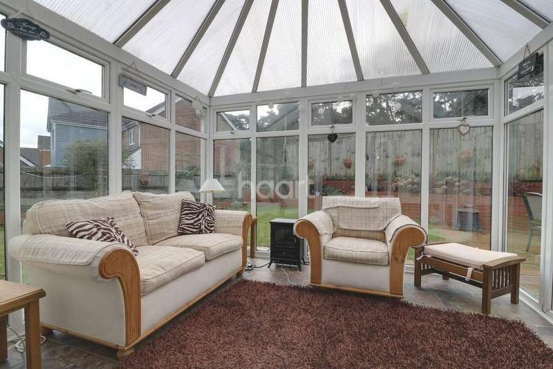 4 Bedrooms Detached House for sale in Haling Way, Thetford