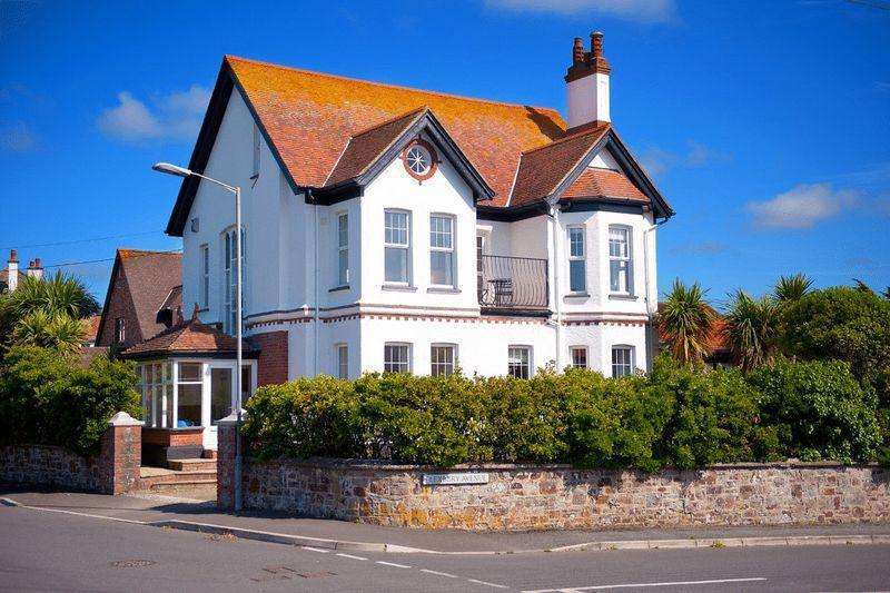 5 Bedrooms Detached House for sale in Ocean View Road, Bude