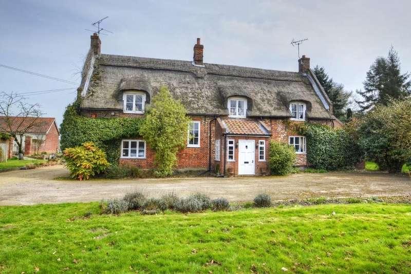 3 Bedrooms Detached House for sale in Blofield Heath, Norwich, Norfolk