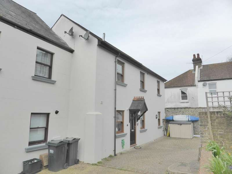 3 Bedrooms End Of Terrace House for sale in Russell Cottages, Old Town, Eastbourne, BN21