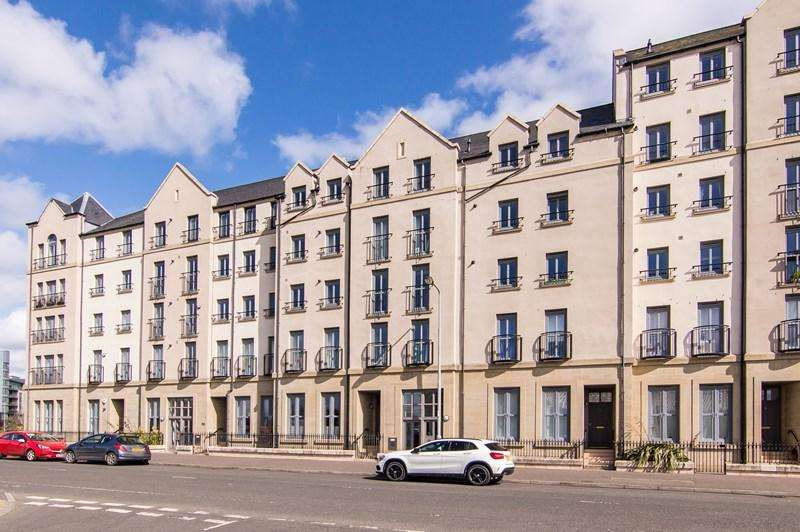 2 Bedrooms Property for sale in 62/2 Newhaven Place, Newhaven, Edinburgh, EH6 4TG