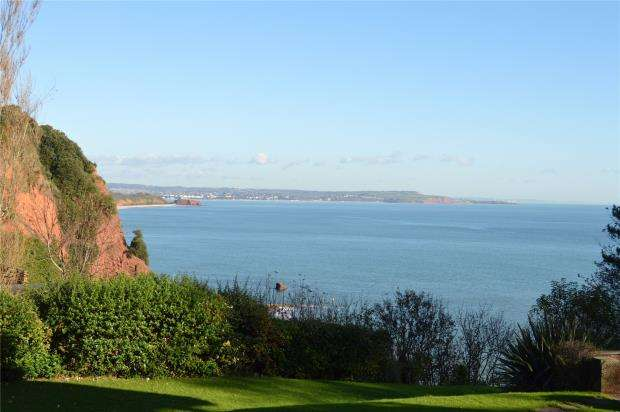 2 Bedrooms Flat for sale in The Cliffs, Old Teignmouth Road, Dawlish, Devon