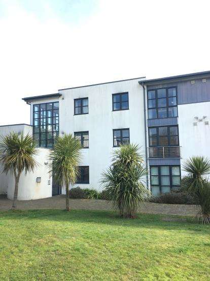 2 Bedrooms Flat for sale in Sandy Hill, St. Austell, Cornwall