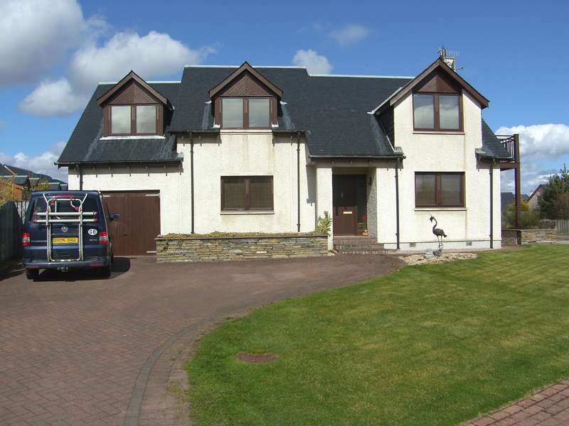 4 Bedrooms Detached House for sale in Croftside, Aviemore, PH22 1QJ