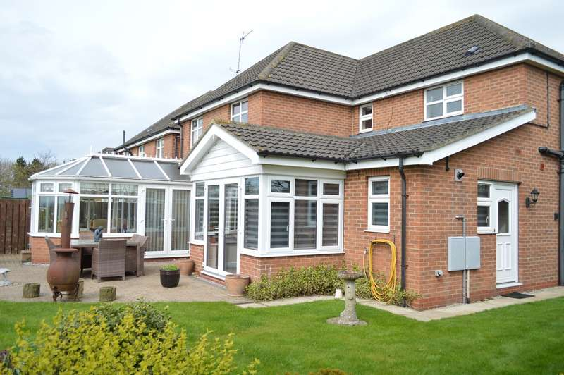4 Bedrooms Detached House for sale in St Margarets View, Long Riston, Near Beverley, HU11