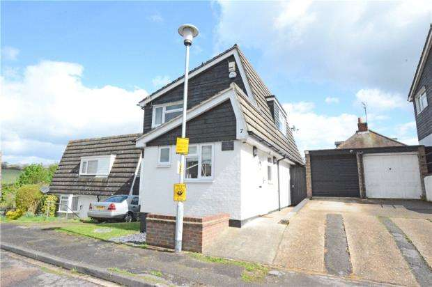 3 Bedrooms Detached House for sale in Rook Road, Wooburn Green, High Wycombe