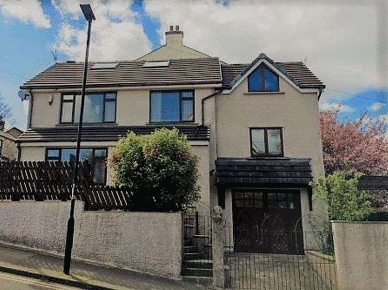 4 Bedrooms Property for sale in Derwent Road, Lancaster