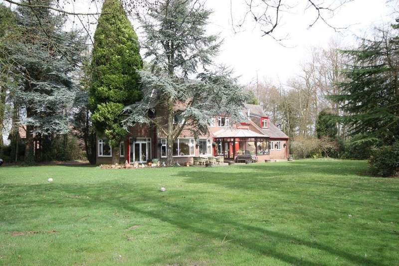 5 Bedrooms Detached House for sale in Western Way, Darras Hall