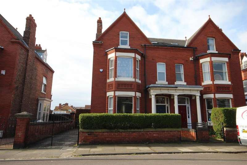 6 Bedrooms Semi Detached House for sale in Clifton Avenue, Hartlepool