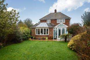 4 Bedrooms Detached House for sale in Magazine Road, Ashford, Kent