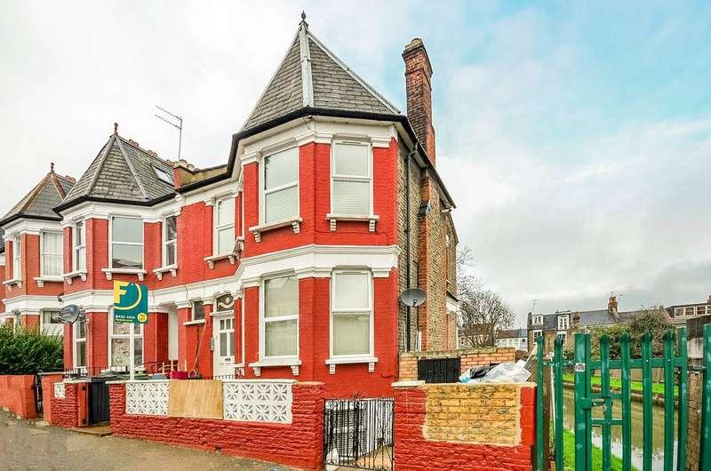 2 Bedrooms Flat for rent in Pemberton Road, Harringay, N4
