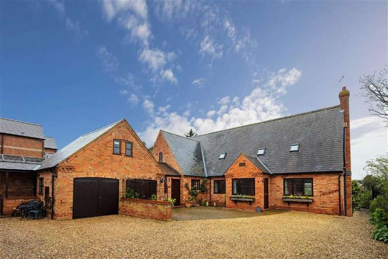 4 Bedrooms Detached House for sale in Main Street, Gumley, Market Harborough