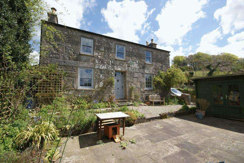 4 Bedrooms Detached House for sale in Lanlivery, Lostwithiel