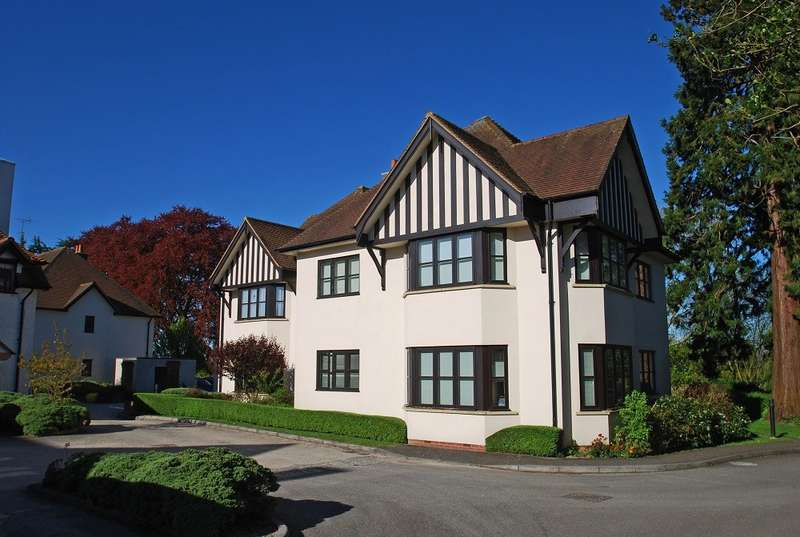 2 Bedrooms Apartment Flat for sale in Stretton Close, Penn, HP10