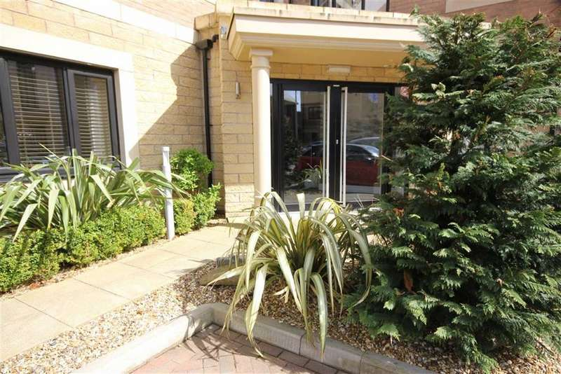 2 Bedrooms Apartment Flat for rent in Estuary View, Lytham