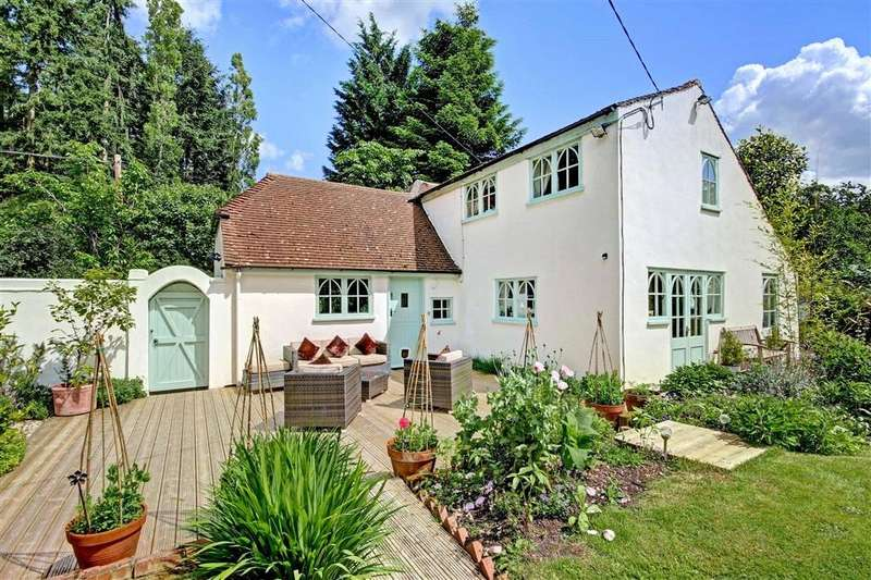 5 Bedrooms Detached House for sale in Scratchface Lane, Burnt Hill, Yattendon, RG18