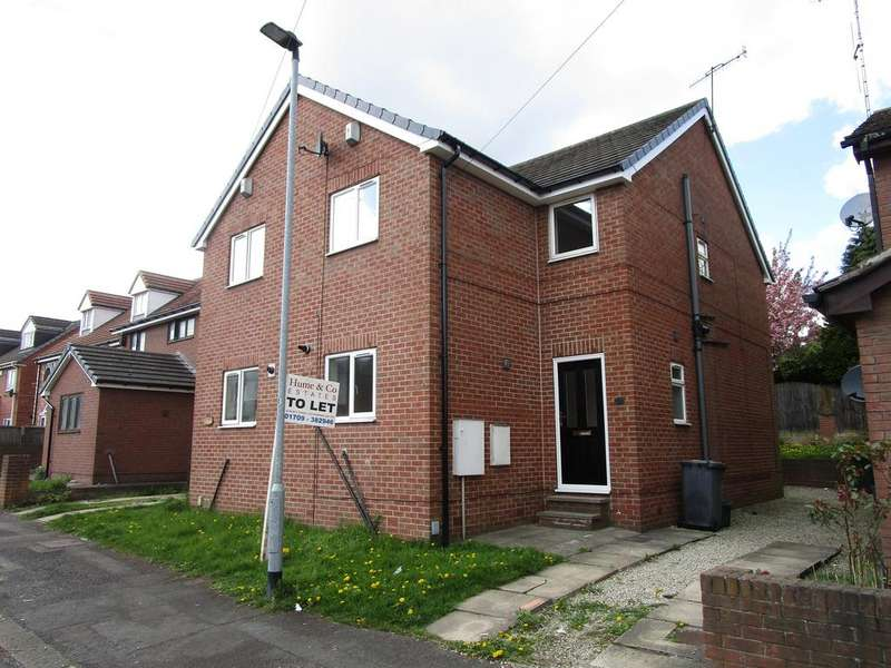 3 Bedrooms Semi Detached House for rent in Clough Street, Rotherham S61