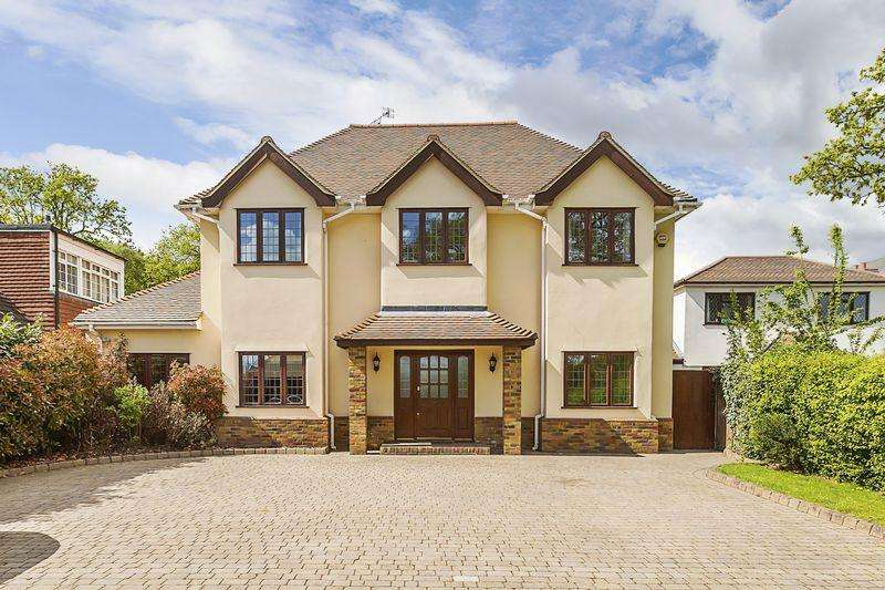 4 Bedrooms Detached House for sale in Birchwood Road, Dartford