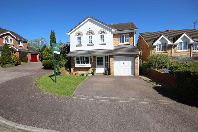4 Bedrooms Detached House for sale in Wingate Drive, Ampthill, Bedford, MK45