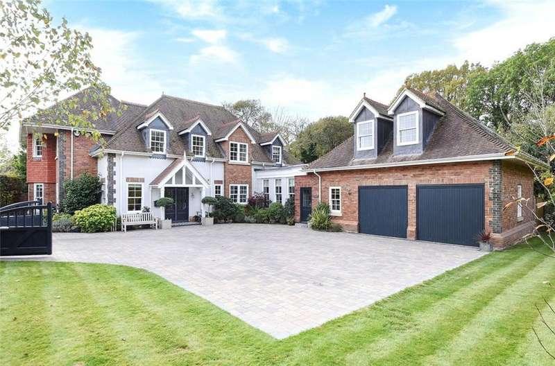4 Bedrooms Detached House for sale in Shenton Gate, Gorse Lane, Chobham, Surrey, GU24