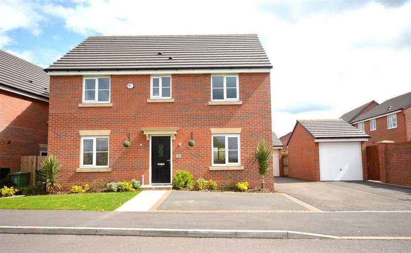 4 Bedrooms Detached House for sale in Heron Way, Sandbach
