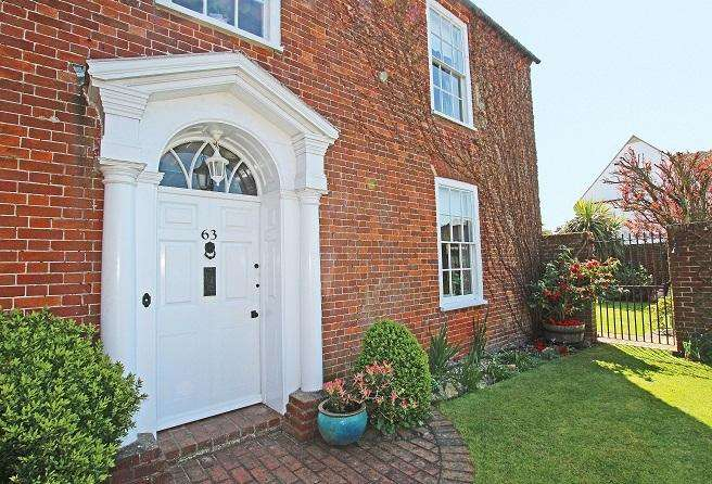 2 Bedrooms House for sale in High Street, Selsey PO20