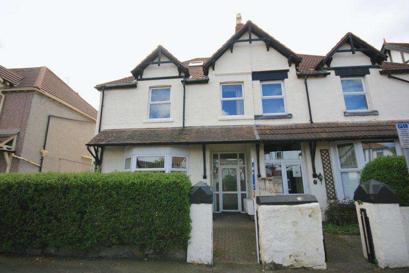 2 Bedrooms Apartment Flat for sale in Trinity Avenue, Llandudno