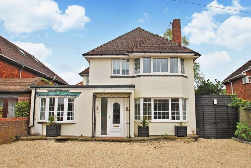 4 Bedrooms Detached House for sale in Holtspur Top Lane, Beaconsfield, HP9
