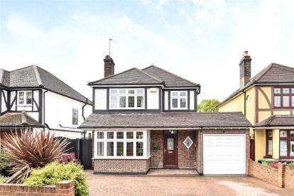 3 Bedrooms Detached House for sale in Woodland Way, West Wickham
