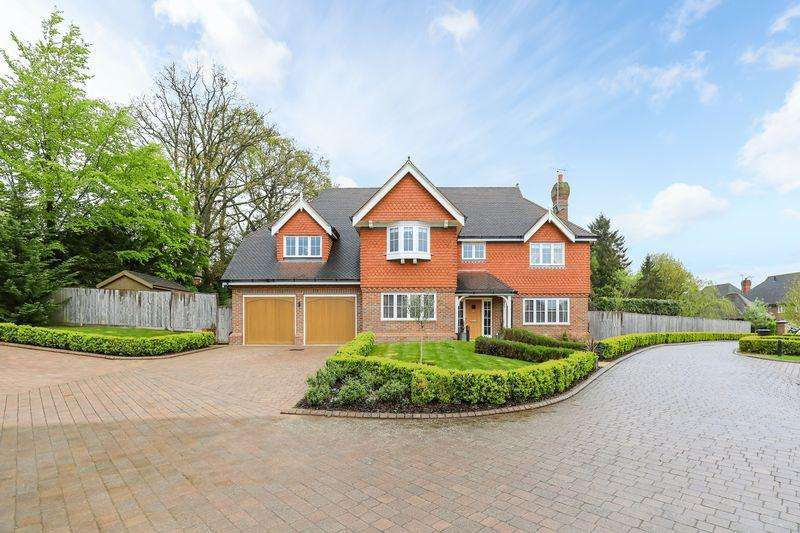 7 Bedrooms Detached House for sale in Spring Meadow, Uckfield, East Sussex