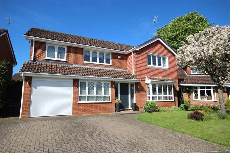 5 Bedrooms Detached House for sale in Thornbers Way, Charvil, RG10