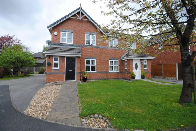 3 Bedrooms Semi Detached House for sale in Kirkwood Close, Aspull, Wigan