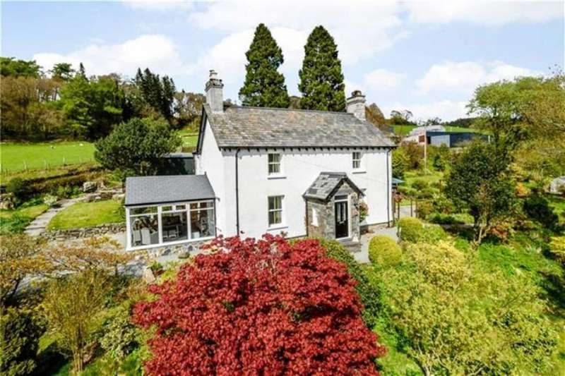4 Bedrooms Detached House for sale in Capel Curig, Betws Y Coed