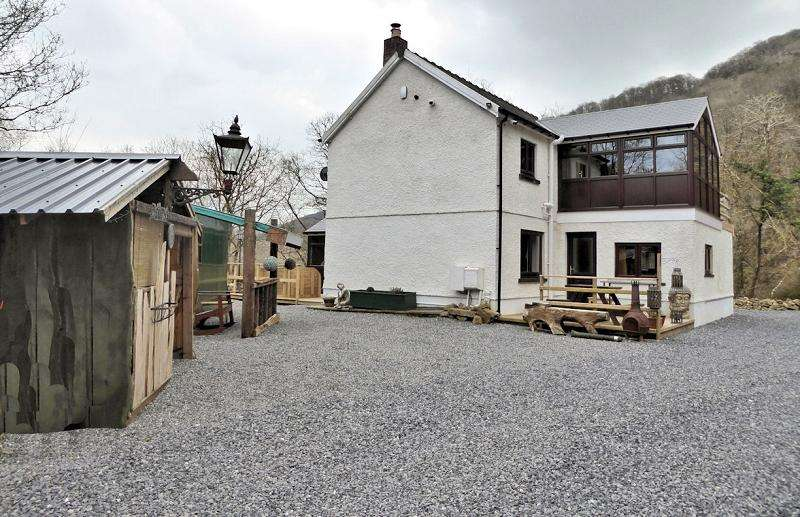 3 Bedrooms Land Commercial for sale in Cwm Tawel Lodge , Cynwel Road, Carmarthen, Carmarthenshire. SA33 6AR