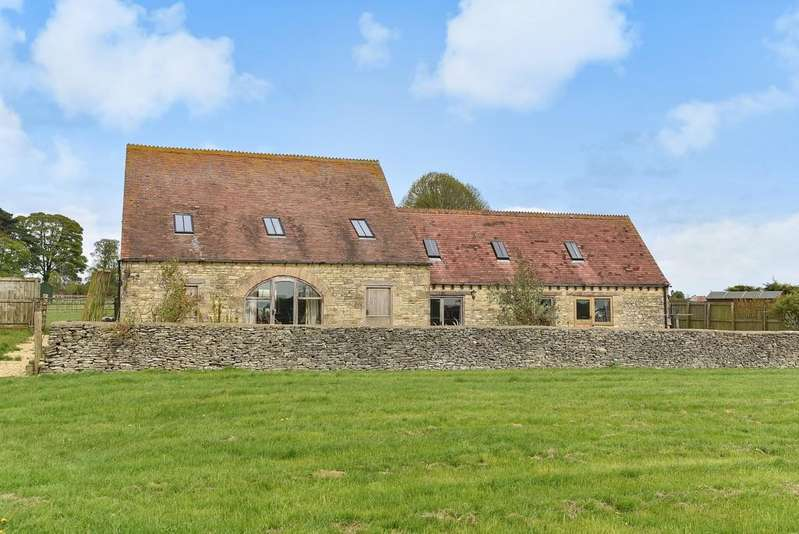 4 Bedrooms Barn Conversion Character Property for sale in Minchinhampton