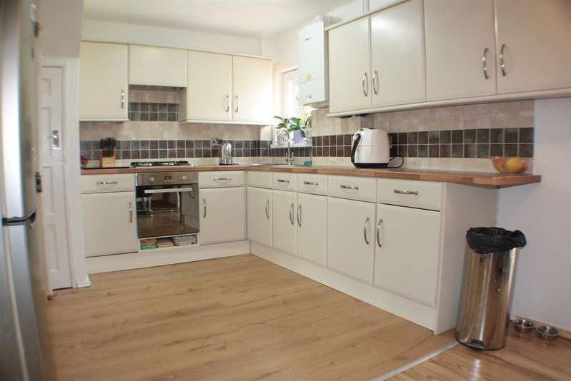 4 Bedrooms Terraced House for sale in Randolph Avenue, Hartcliffe, Bristol, BS13 9PG