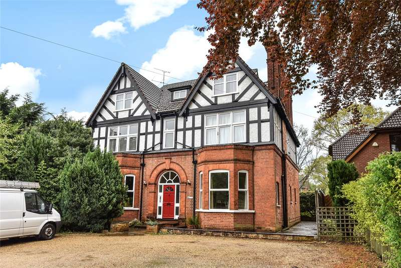 2 Bedrooms Apartment Flat for sale in St. Johns Street, Crowthorne, Berkshire, RG45