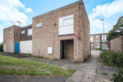 2 Bedrooms Maisonette Flat for sale in Copenhagen Close, Luton, Bedfordshire, Marsh Farm