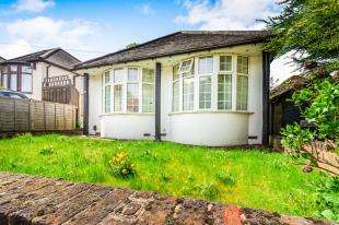 3 Bedrooms Bungalow for sale in Constitution Rise, Shooter's Hill, London